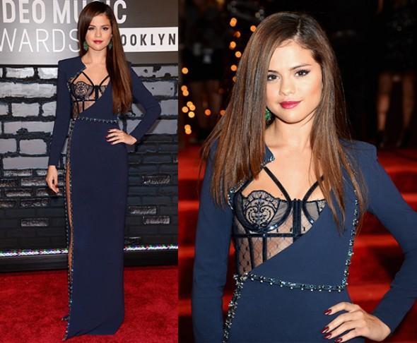 Selena Gomez de Atelier Versace!