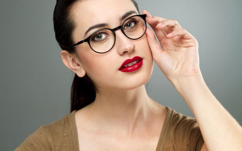 maquiagem-para-quem-usa-oculos---look-6-1349132172055_955x600
